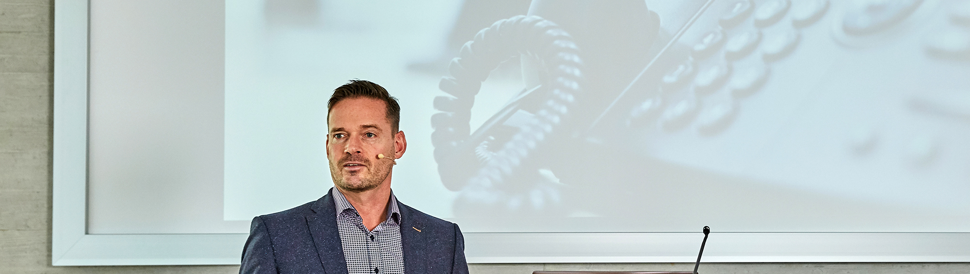 Oliver Schneider ist Keynote-Speaker, Autor und Trainer für Führungskräfte